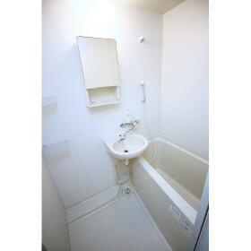 本牧L2ビル 201号室のトイレ