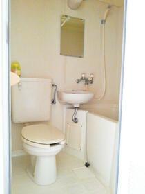 スカイコート保土ヶ谷 B107号室のトイレ