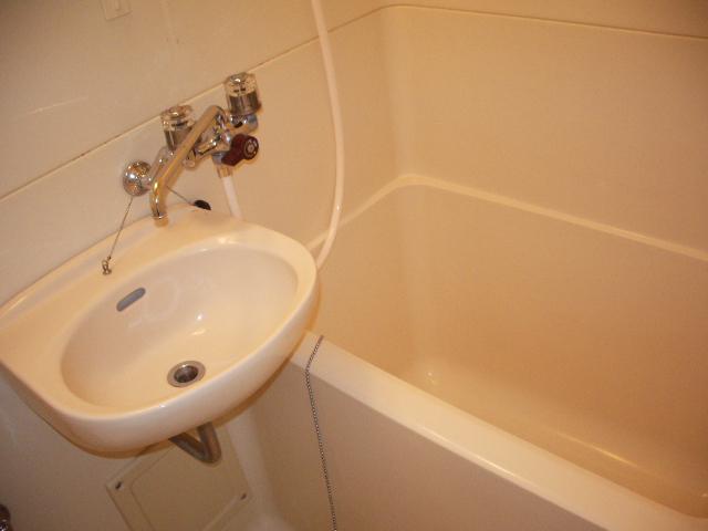 ハイツノン 205号室の風呂