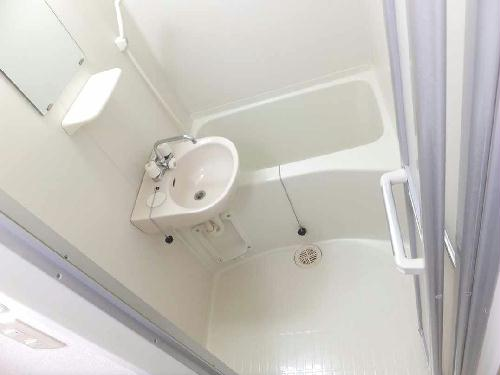 レオパレスフローラ 212号室の風呂