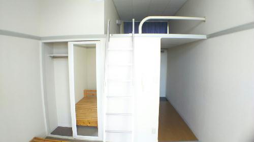 レオパレスグリーンタウン 104号室のリビング