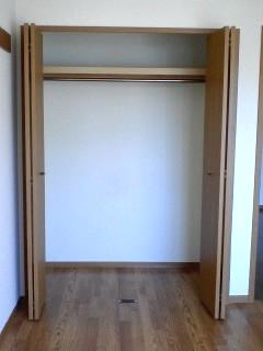 コスモス LF 02010号室の収納