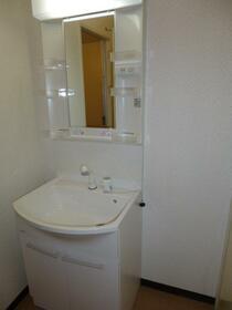 グランディ・シンヤ 304号室のトイレ