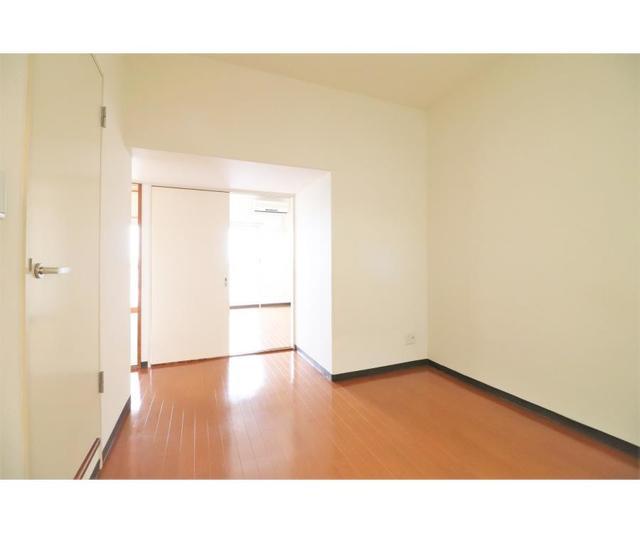 ホーユウパレス戸塚702号室 702号室のリビング