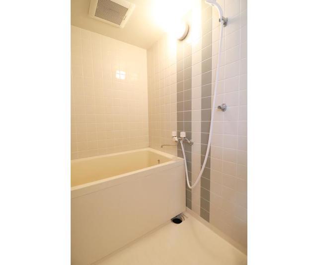 ホーユウパレス戸塚702号室 702号室の風呂