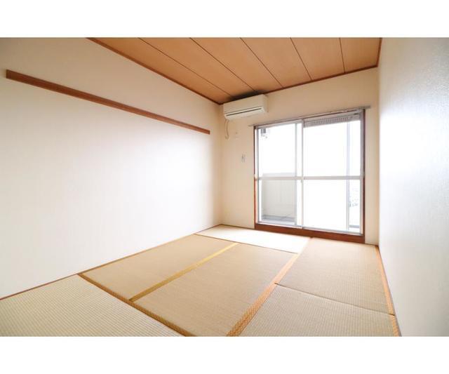 ホーユウパレス戸塚702号室 702号室のベッドルーム
