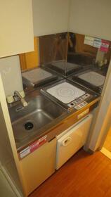 日神パレス杉田A 103号室のキッチン