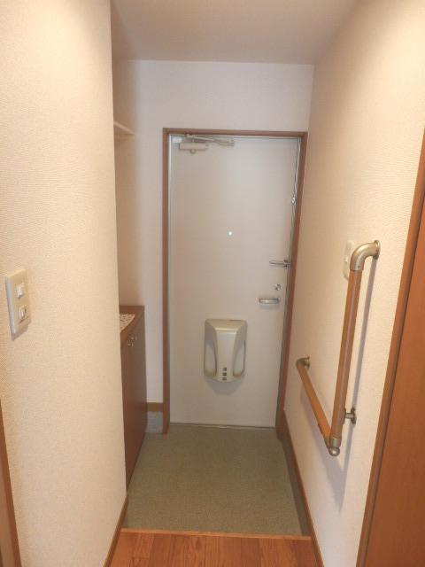 アビタシオン駅南A 105号室の玄関