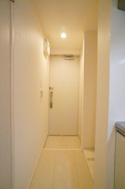 リブリ・フェリシア 101号室の玄関