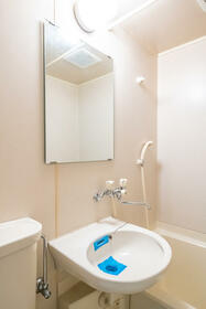 ジュネパレス座間第14 0302号室の洗面所