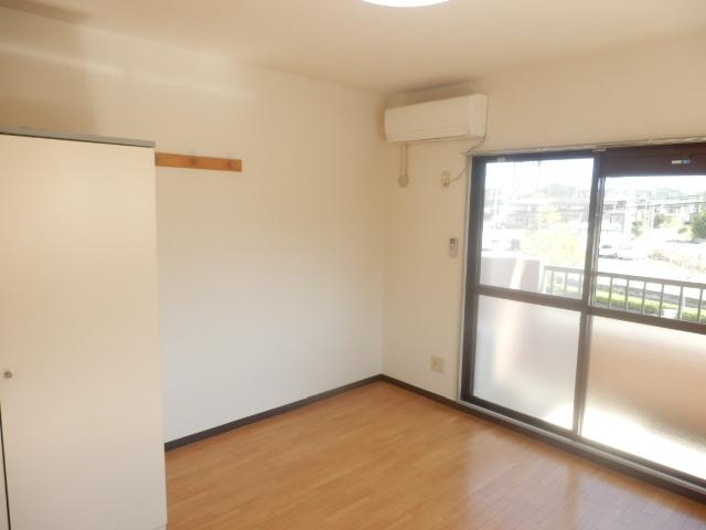 サンパレス木下 207号室の居室