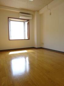 ハイムスワン 301号室の居室