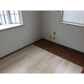 クリアス西戸部 旧西戸部アパート 201号室のリビング