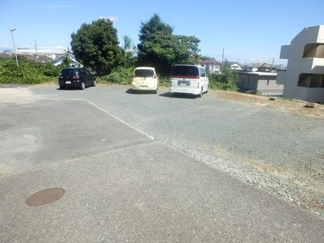富士見ハイツ 402号室の駐車場