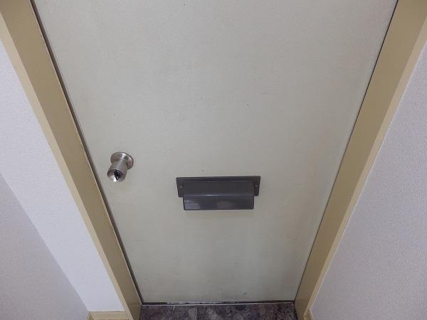 ブランシェ百合ヶ丘 102号室の玄関