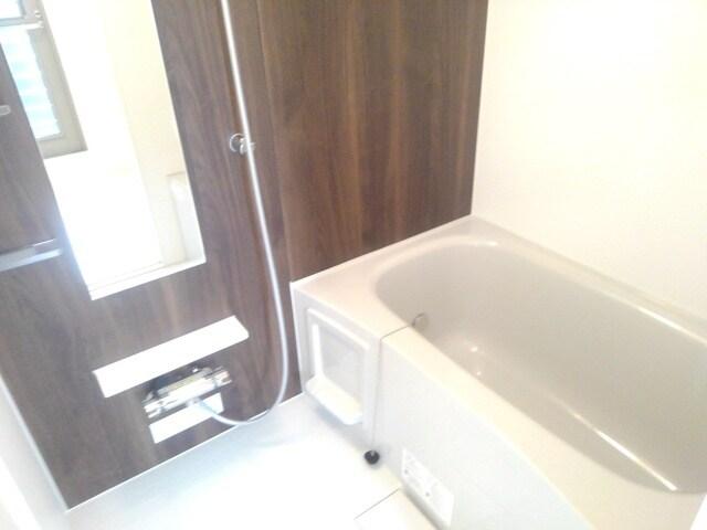 ティータウン Ⅱ 02060号室の風呂