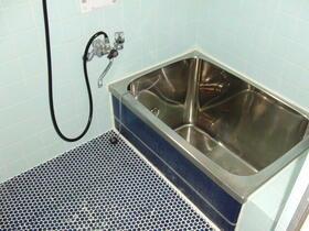 石井様貸家 2分1棟の風呂