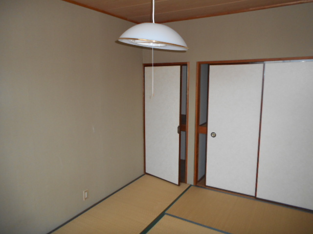 ベルコーポ 102号室のリビング