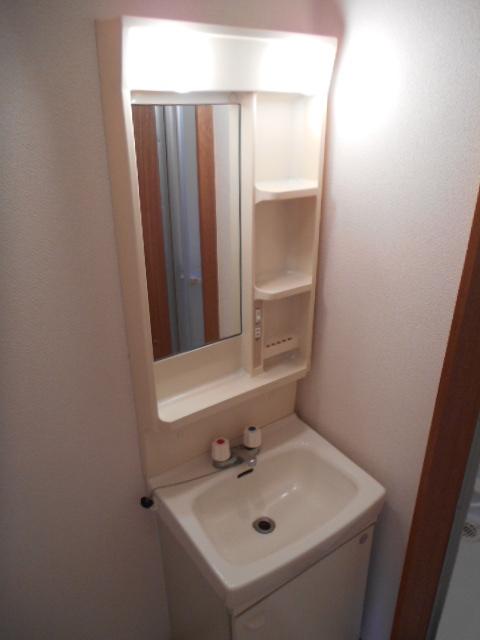 ベルコーポ 102号室の洗面所