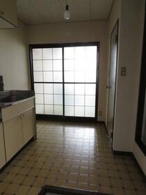 倉田ハイツ 103号室の玄関