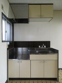 倉田ハイツ 103号室のキッチン