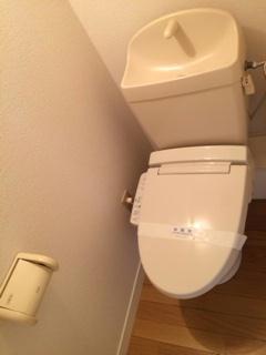 レオパレスNAGAO 102号室のトイレ