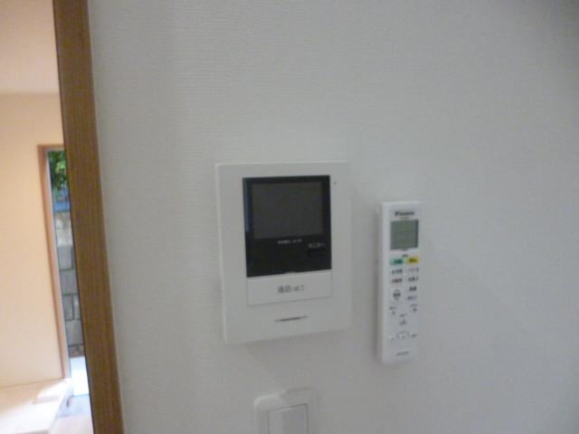 ラ・フロール鶴巻南 101号室のセキュリティ