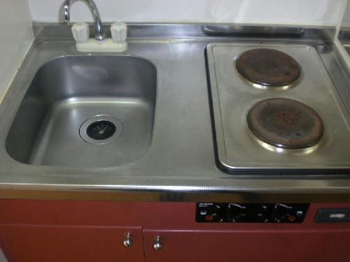 レオパレス飛鳥間 101号室のキッチン