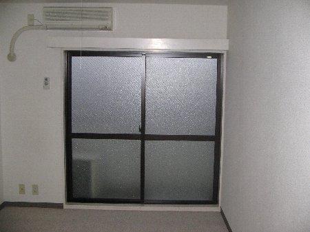 クラージュ湘南二宮 209号室のリビング