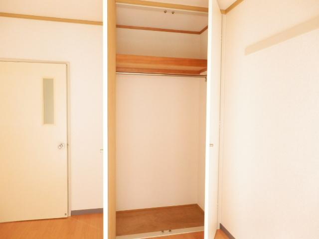 サンパレス湘南Ⅰ 101号室の収納
