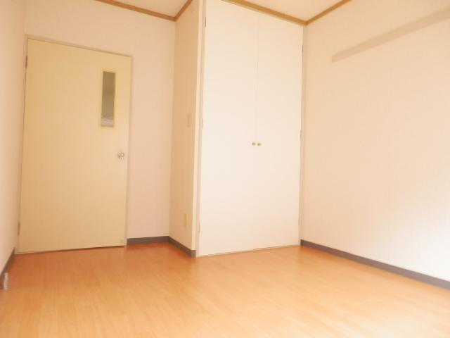 サンパレス湘南Ⅰ 101号室のリビング