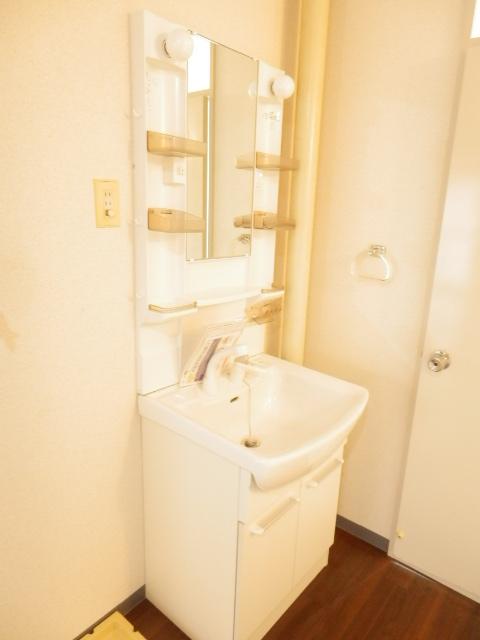 サンパレス湘南Ⅰ 101号室の洗面所