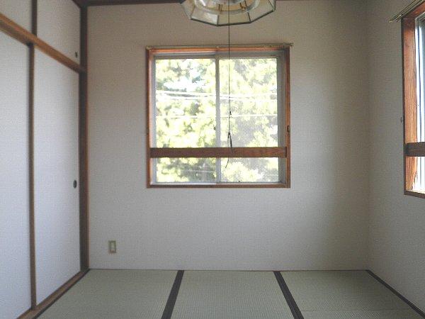 龍城ヶ丘ビル 202号室のベッドルーム