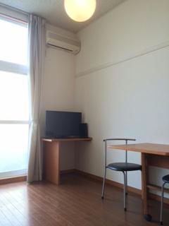 レオパレスグルーテンC 104号室のキッチン