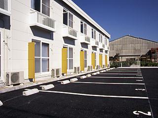 レオパレスサニーヴィラA 102号室の駐車場