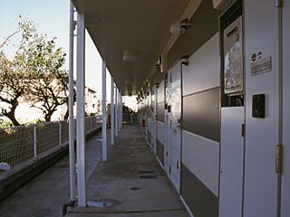 レオパレスサニーヴィラA 102号室のエントランス