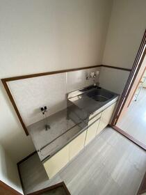 コーポ東淵野辺 205号室のキッチン