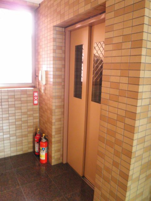マインズビル 303号室のその他