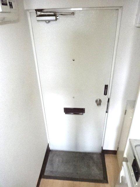 パルーム金ヶ作 205号室の玄関