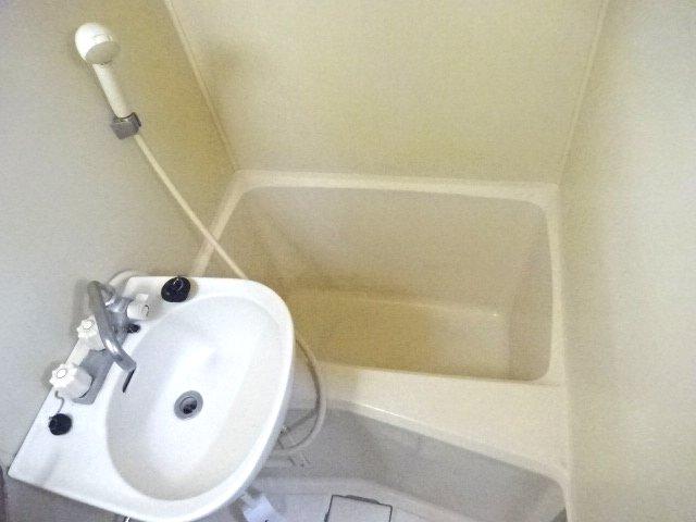 パルーム金ヶ作 205号室の風呂