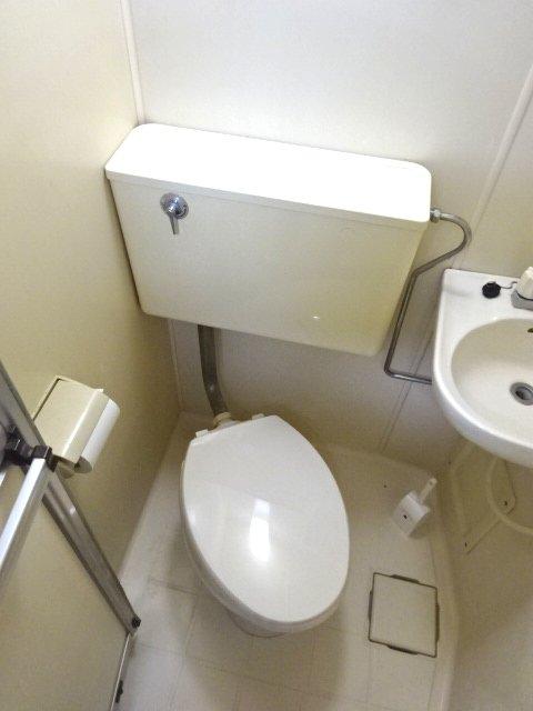 パルーム金ヶ作 205号室のトイレ