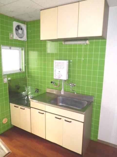 メゾンド・イナガキ 102号室のキッチン