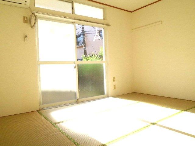メゾンド・イナガキ 102号室のリビング