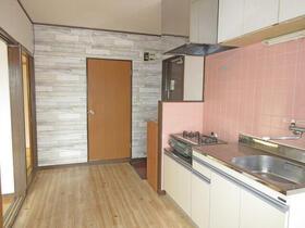 ガーデンヒルズ 301号室のキッチン