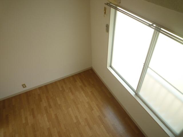 マインツインメル北柏 B-203号室の居室