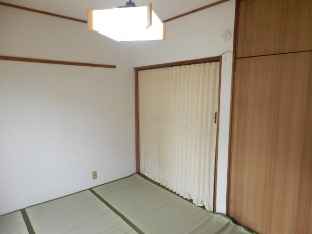 第2ハイツ 205号室のリビング