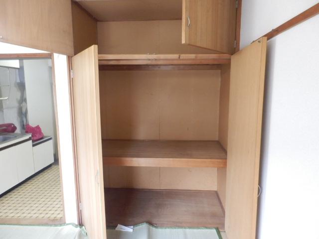 第2ハイツ 205号室の収納