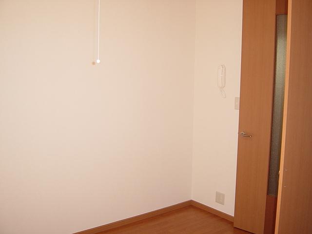 ラ・プラティーク 102号室のベッドルーム