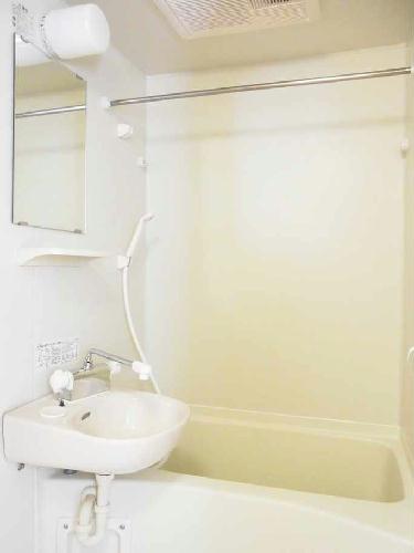 レオパレスクロスロード 201号室の風呂