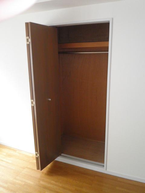 ウスイグリーンビル 401号室の収納